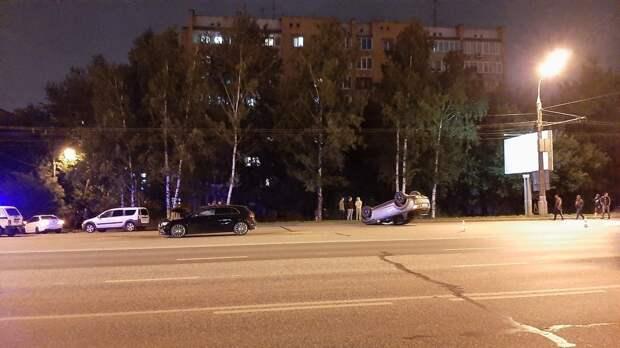 Авария в Ижевске, старт программы кешбэка и самый популярный зарубежный политик у россиян: что произошло минувшей ночью