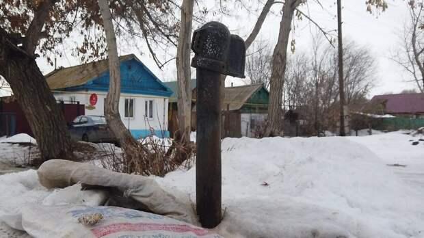 Жители Кумака уже три дня сидят без воды