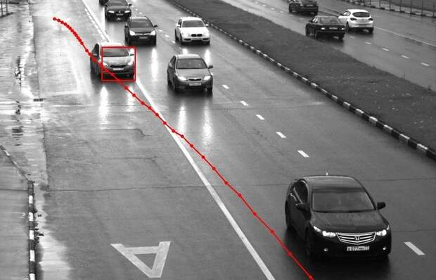 На каком расстоянии «видит» камера, и спасет ли сбрасывание скорости от штрафа