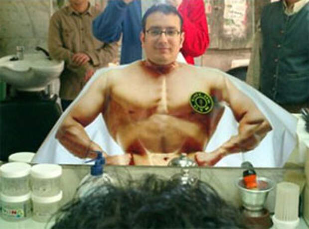 "Gold""s Gym: нарисуй себе мышцы!"