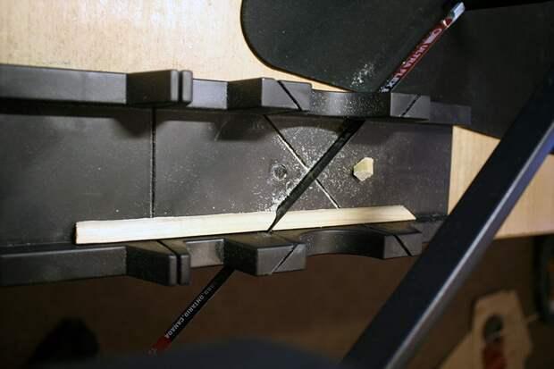 Как сделать маленькую рамочку из оконных штапиков