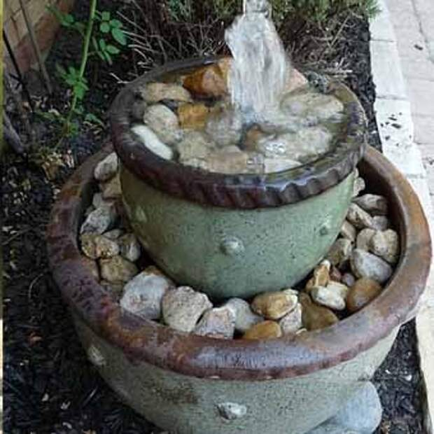 дачный фонтан с камнями