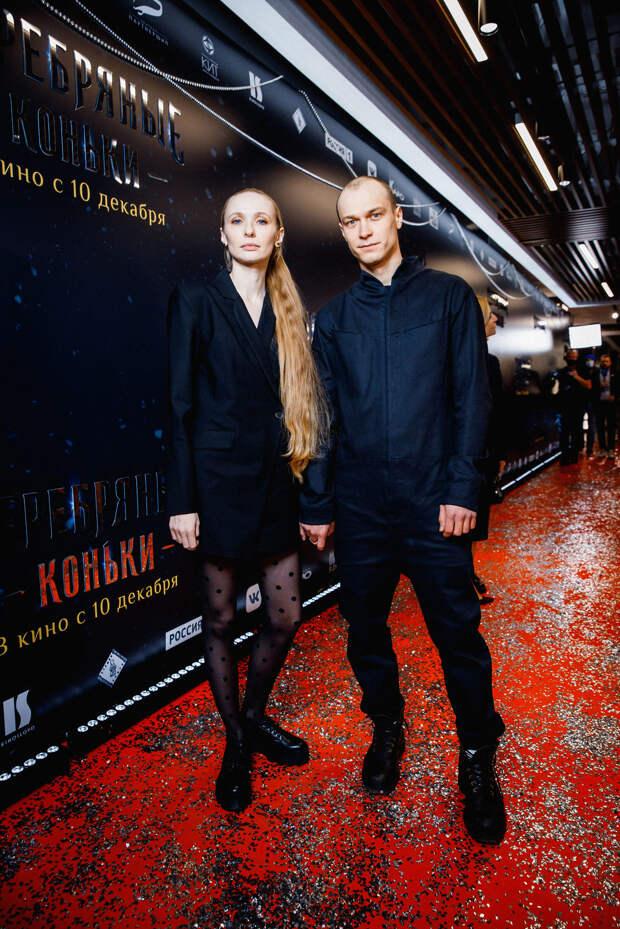 Хруст французской булки: Юлия Хлынина, Сергей Бурунов и Аглая Тарасова