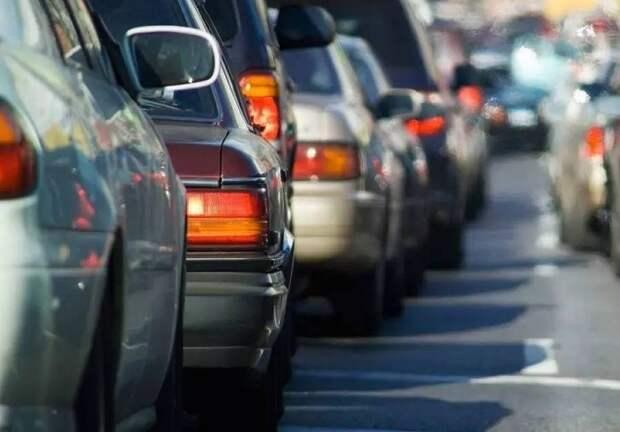 Загруженность Алтуфьевского шоссе вечером 16 июня — шесть баллов