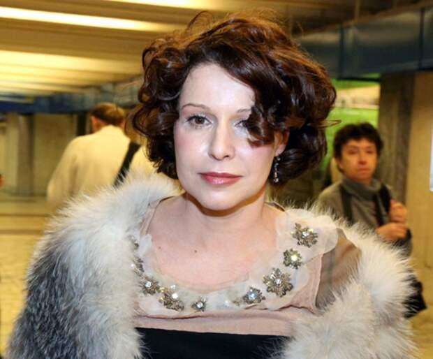 Наталья Негода  на церемонии вручения кинематографической премии *Золотой орел*, 2010 г.
