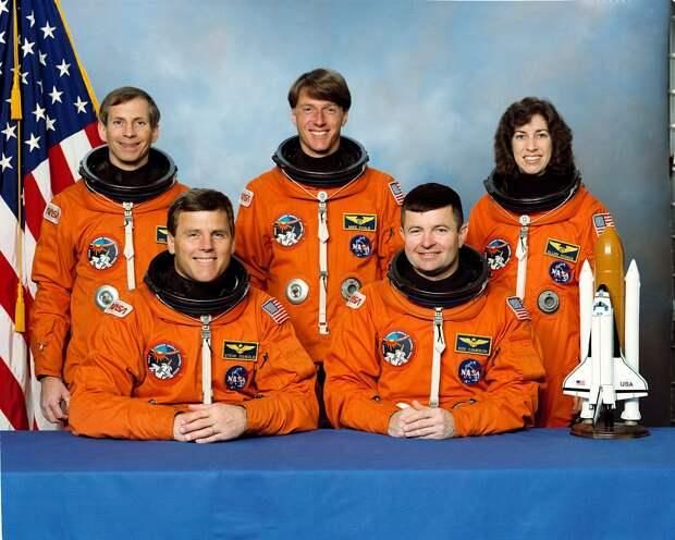 Sts-56 crew.jpg