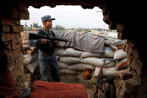 В Афганистане рассказали о сдаче города талибам без боя