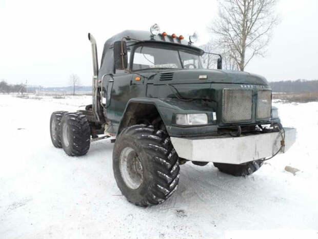 Владелец превратил свой ЗИЛ-131 в полноприводный дальнобойный тягач