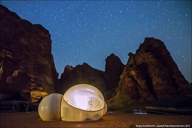 Лакшери в пустыне по-бедуински