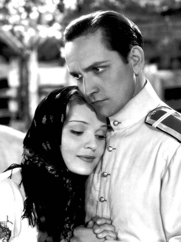 """Фредрик Марч и Анна Стэн в фильме """"Мы снова живы"""" 1934 год."""