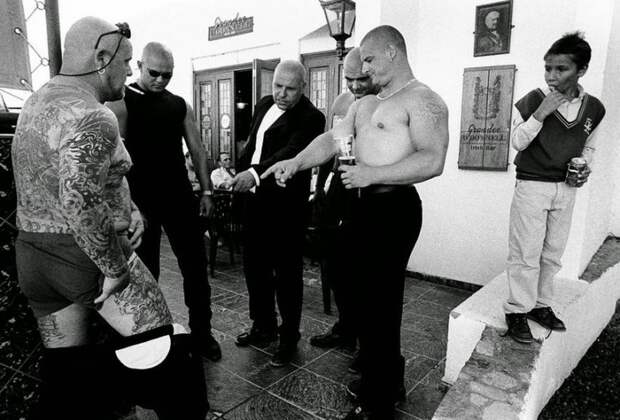 Реальные британские бандиты в откровенном фотопроекте Джослина Бэйна Хогга