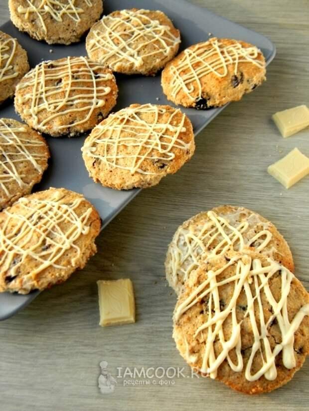 Фото овсяного печенья с изюмом и белым шоколадом
