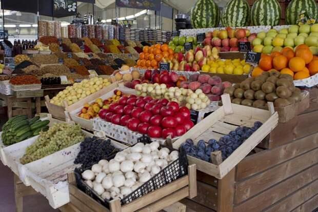 Украина просит Турцию прекратить поставки продуктов в Крым