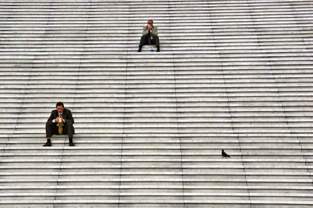 Одиночество в толпе в фотографиях Стефано Корсо