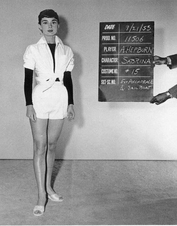 """Одри Хепберн. Тест одежды к фильму """"Сабрина"""", 1953 год."""
