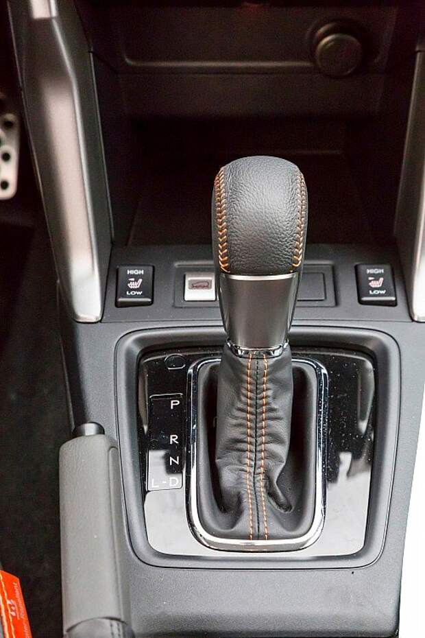 Прицениваемся к непромокаемому салону Subaru Forester и XV