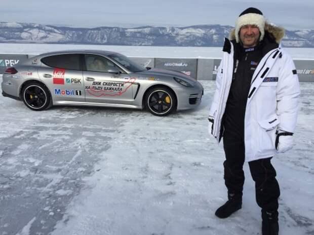 Россиянин разогнал Porsche до 285 км/ч по льду Байкала