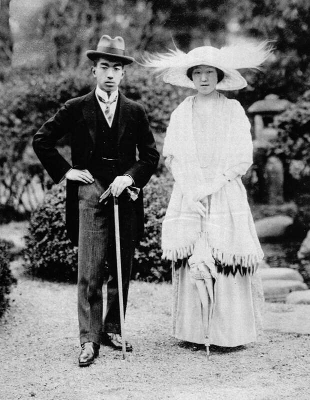 crown_prince_hirohito__princess_nagako_1924.jpg