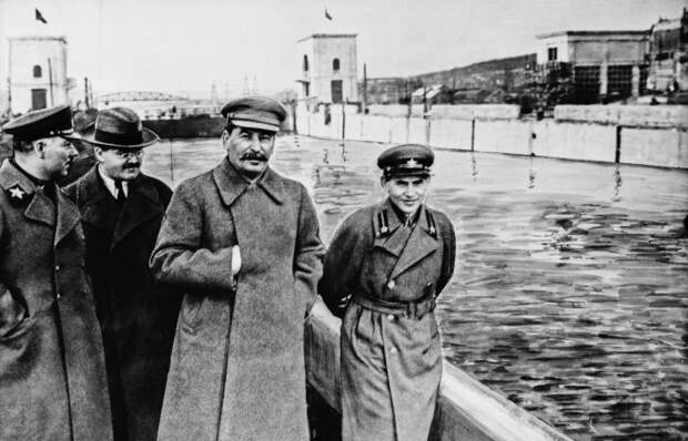 За Россию, Путина и Народный Фронт!