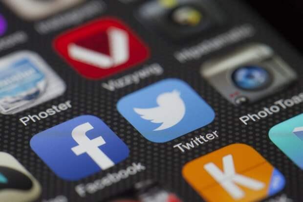 Facebook и Twitter рискуют прекратить работу в России