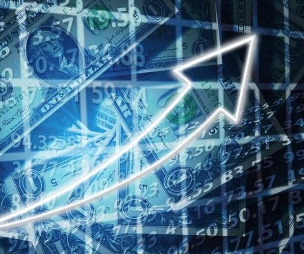 Новый максимум взят: евро и доллар продолжают расти по отношению к рублю