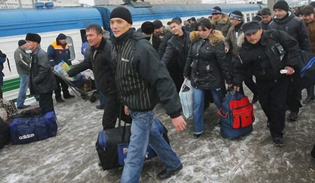 С 1 января 2015 гражданам СНГ запрещен въезд в Россию без загранпаспортов