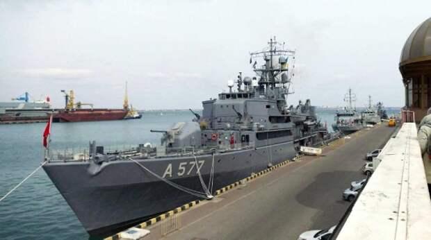Москва ожидает новых провокаций со стороны кораблей НАТО