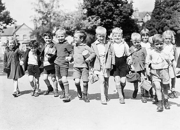 Почему британские мальчики носят штаны только после 8 лет