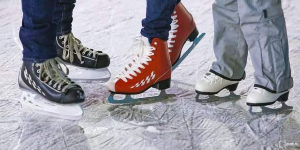 Команда Войковского взяла «золото» в окружных соревнованиях на коньках