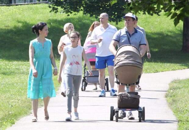 Собянин наградил многодетных родителей знаком «Родительская слава». Фото:mos.ru