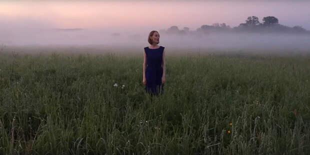 Жительница Глазова выпустила клип, в котором она исполняет сразу 8 вокальных партий