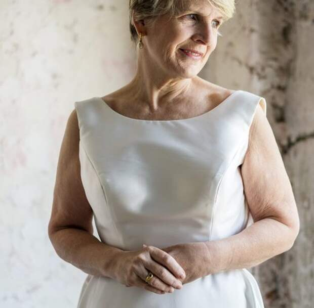 Сестра в 50 лет вышла замуж   Зачем?