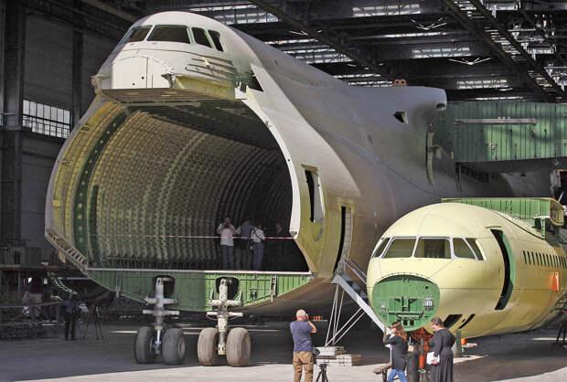 Как выглядит самый большой самолет в мире? (ФОТО)
