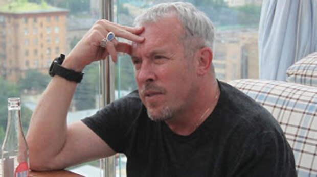 Макаревич объявил себя банкротом и покидает Россию