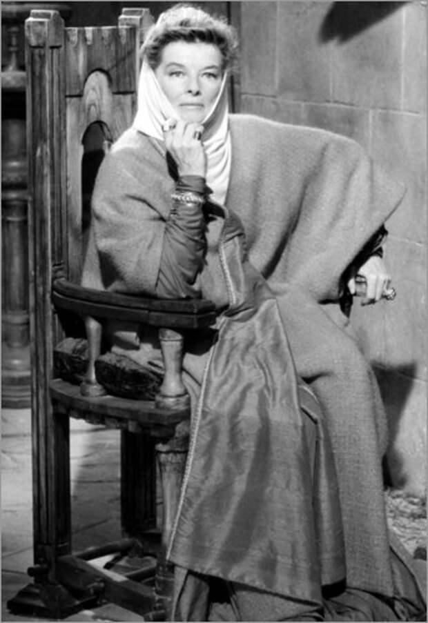 "Кэтрин Хепбёрн и Питер О'Тул в фильме  ""Лев зимой"" (1968)"