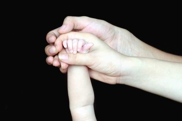 Больше российских семей смогут получить выплаты на первого и второго ребенка