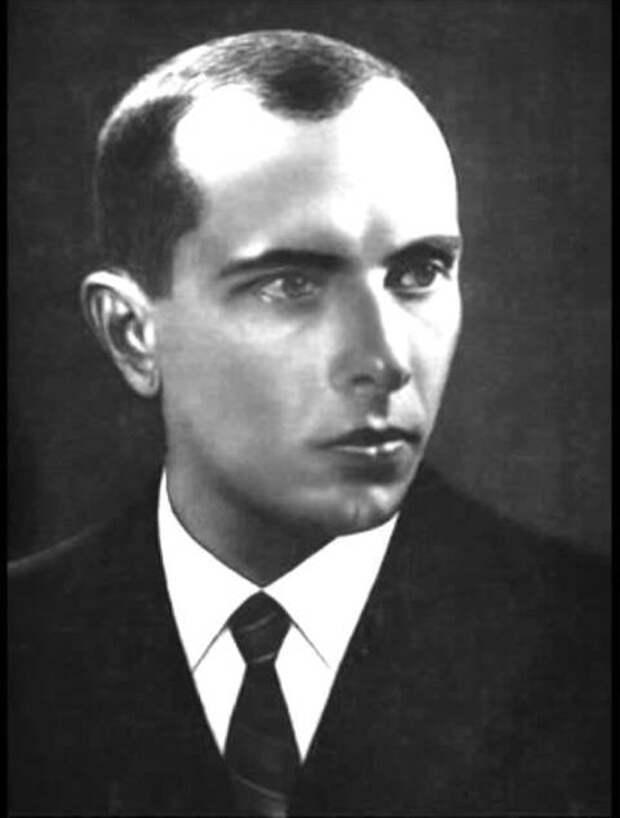 Кто настоящий герой Украины?