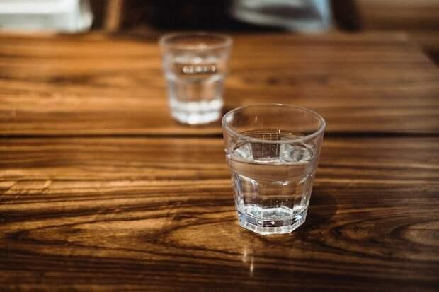 5 быстрых и простых способов удаления водяных пятен и разводов с древесины