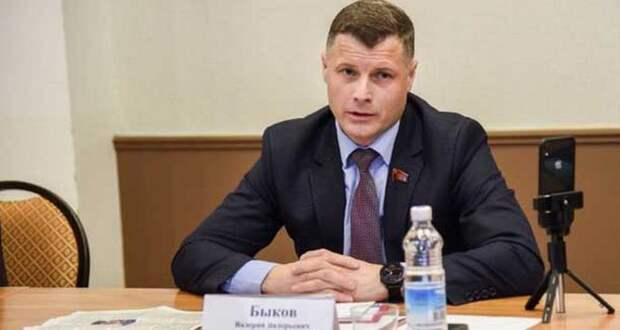 Лидер камчатских коммунистов получил 9 лет колонии за взяточничество и это ещё не всё