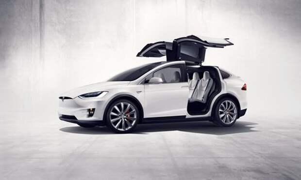 Tesla Model X уезжает все дальше