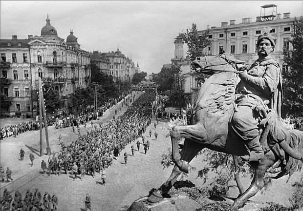 Ренат Кузьмин: Нам нужно второе освобождение Киева от нацистов