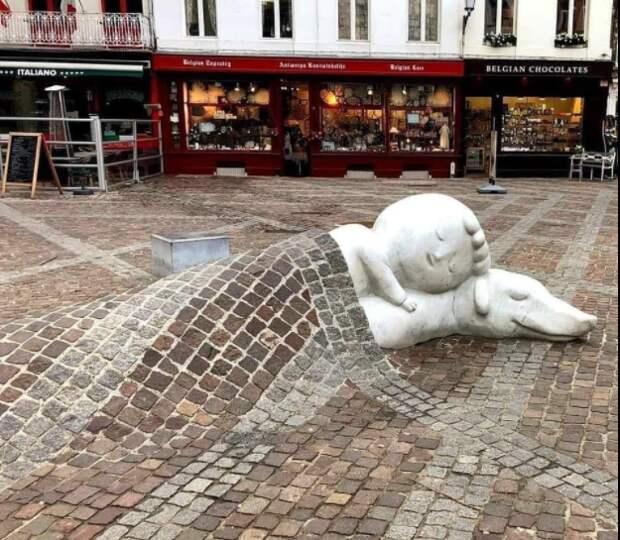 История уникального памятника Нелло и Патрашу в Антверпене (Бельгия)