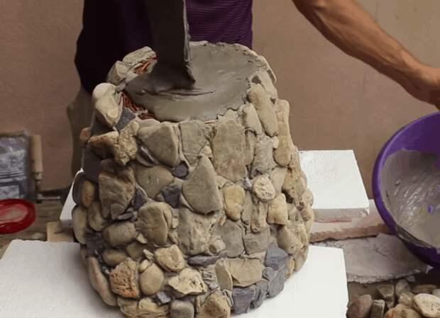 Каменное кашпо — эффектная мини-клумба на вашем участке
