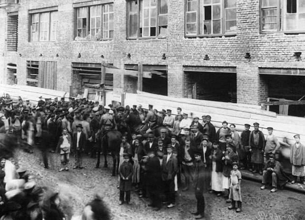 09. Демонстрация протеста. 15 апреля 1912. Санкт-Петербург