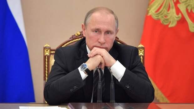 """""""Какие придурки так говорили..."""": Путин прервал речь докладчика, услышав о ненужности Дальнего Востока"""
