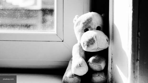 Двухлетняя девочка из Уфы получила серьезные травмы после падения из окна