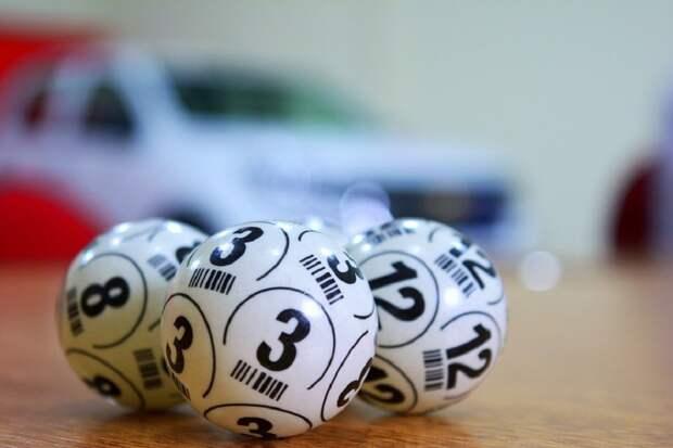Среди прошедших вакцинацию от коронавируса провели лотерею