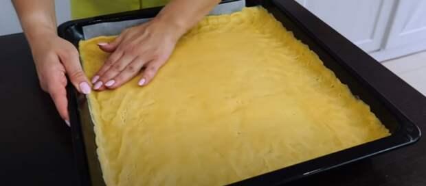 Пирог «Сырник», очень много и вкусно. Большая ватрушка
