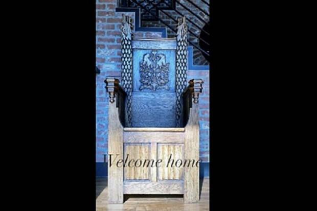 Звезда «Игры престолов» забрала домой трон сосъемок