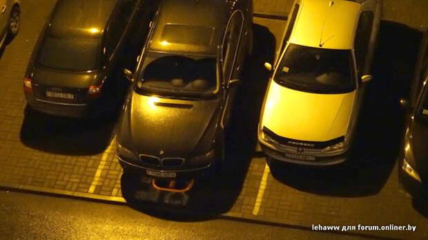 """Владелец BMW решил """"застолбить"""" персональное парковочное место во дворе bmw, parking, парковка, парковочное место"""